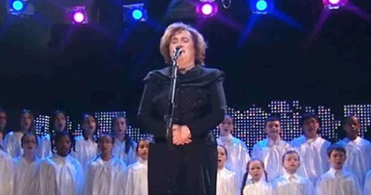 Susan Boyle sjunger O Holy Night